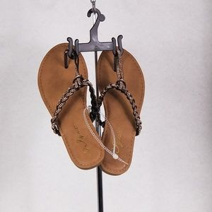 Shoes - NEW  Iynx Sandals Size 6.5